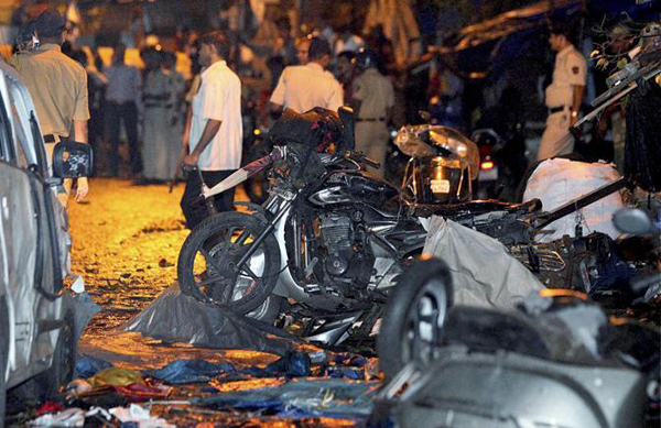 Esplosioni a Mumbai