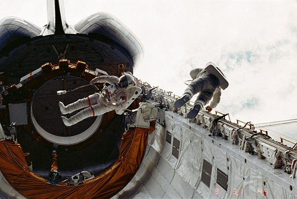 Lo Space Shuttle Challanger nello spazio