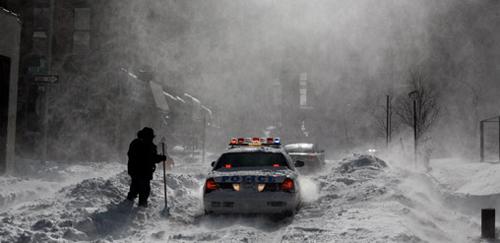 La tormenta di neve ha colpito la East Coast degli USA