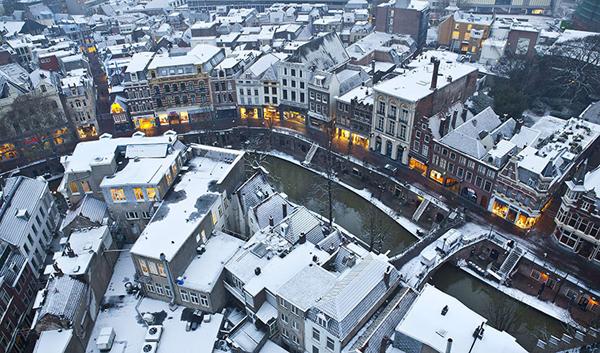 La neve ricopre Utrecht