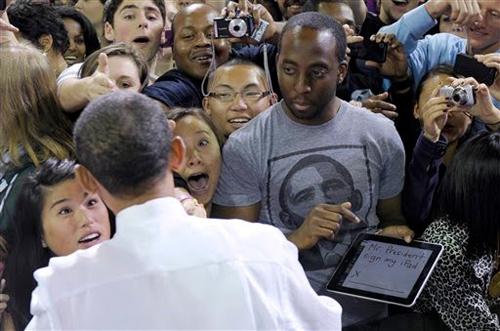 Obama autografa un iPad