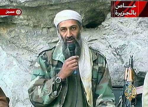 Osama bin Laden in un video nel 2001