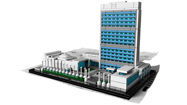 Il Palazzo di Vetro dell'ONU in Lego