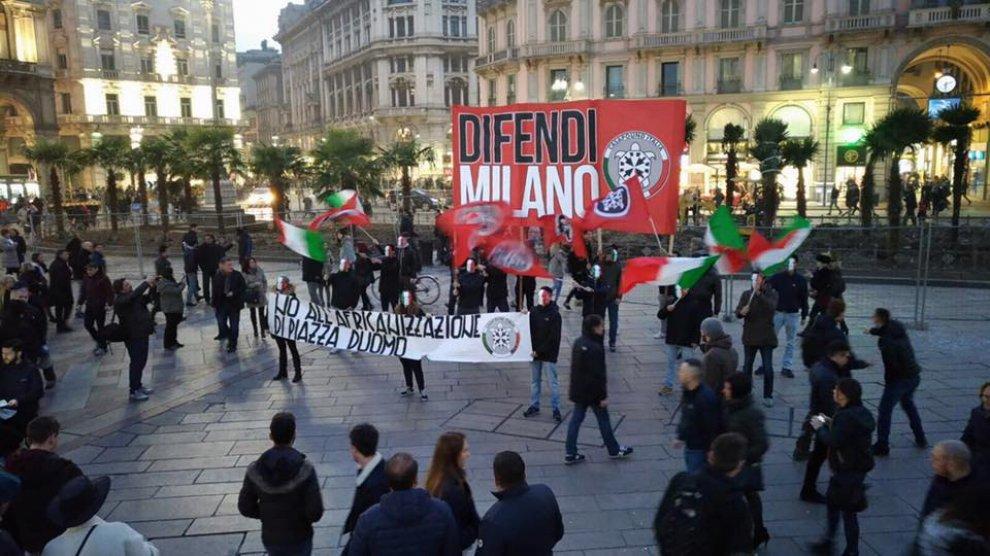 CasaPound contro le palme in piazza Duomo a Milano