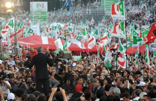 La manifestazione del Partito Democratico al Circo Massimo di Roma