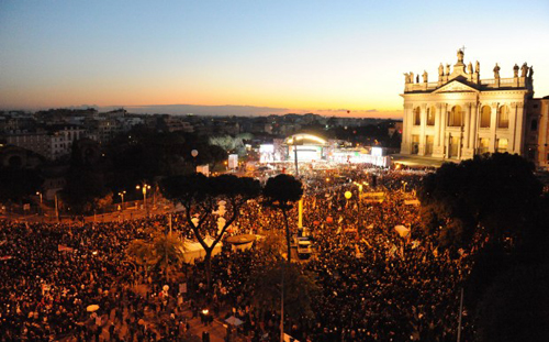 La manifestazione del Partito Democratico in piazza San Giovanni a Roma
