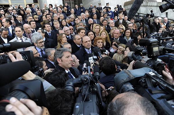 Manifestazione PdL al tribunale di Milano