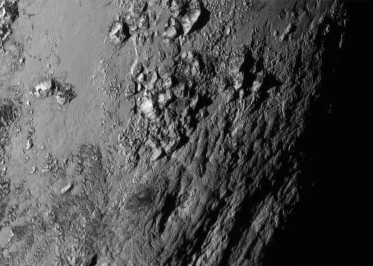 Superficie di Plutone ad alta risoluzione