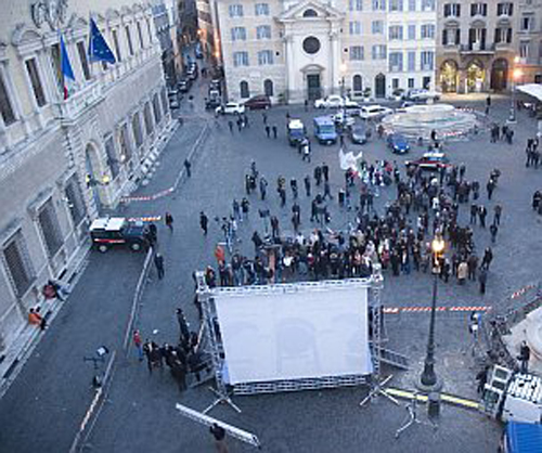 La manifestazione di oggi pro-Polverini a Piazza Farnese
