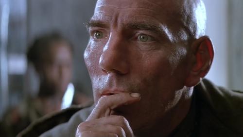 Pete Postlethwaite in Alien3