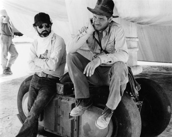 Spielberg e Ford sul set di Predatori dell'Arca perduta