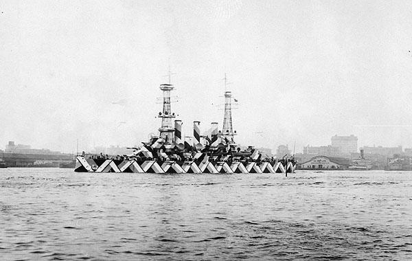Camouflage di una nave da battaglia americana