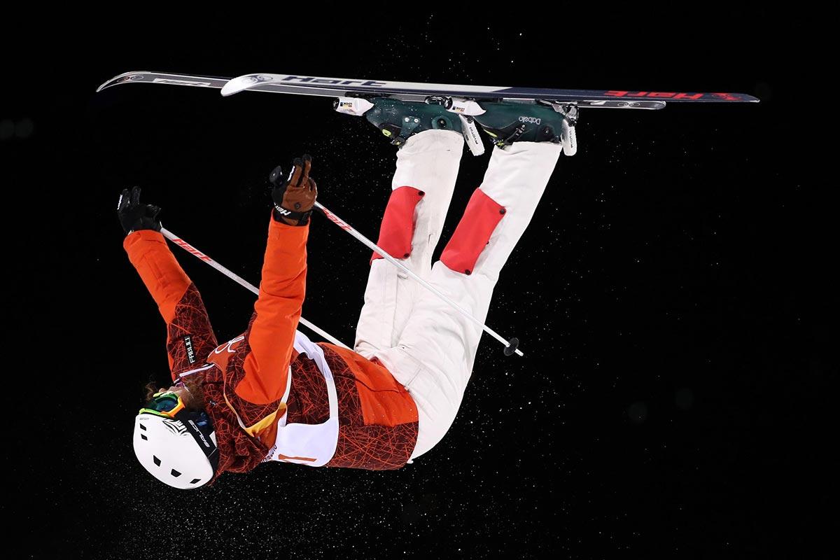 Deborah Scanzio impegnata in un salto nelle gobbe di freestyle a PyeongChang 2018