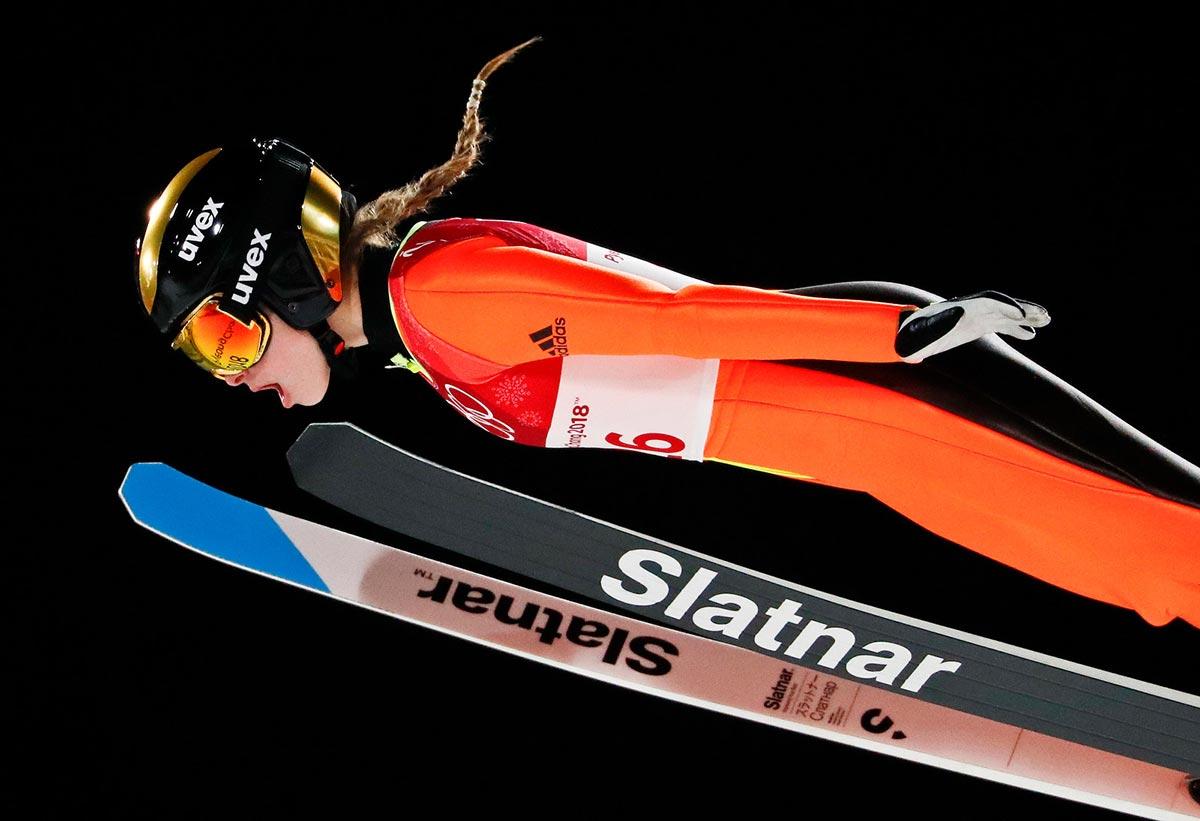 Nika Kriznar nel salto con gli sci a PyeongChang 2018