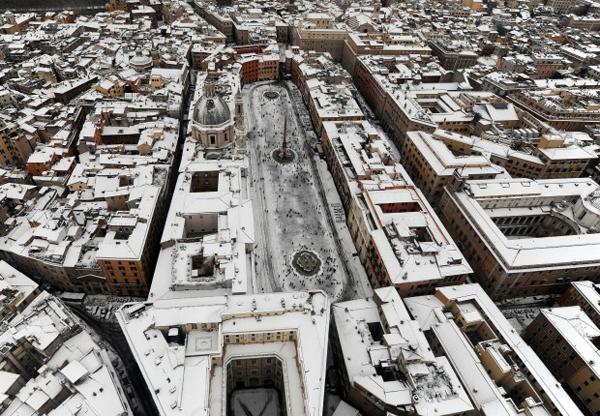Piazza Navona sotto la neve