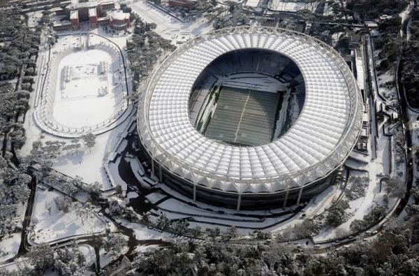 Lo stadio Olimpico sotto la neve