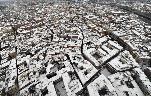Roma dall'alto con la neve