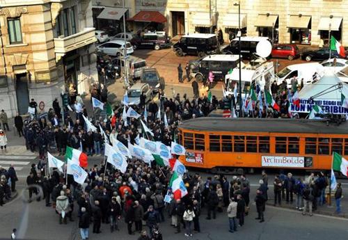 La manifestazione a sostegno di Berlusconi