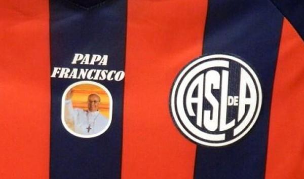 La maglia del con Papa Francesco
