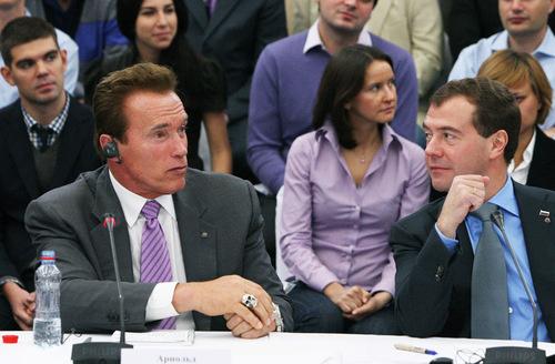 L'anello a forma di teschio di Schwarzenegger