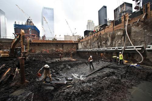 Lo scheletro del veliero ritrovato a Ground Zero