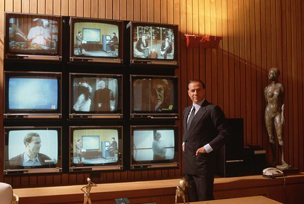 Berlusconi a capo di Fininvest e Mediaset