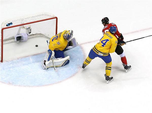 La finale di hockey su ghiaccio tra Canada e Svezia a Sochi 2014