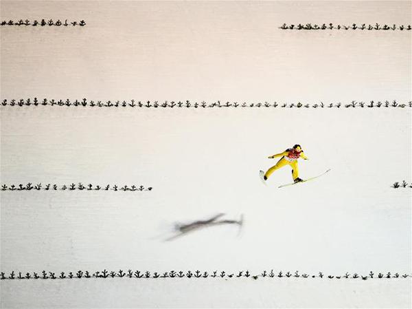 Noriaki Kasai nel salto con gli sci a Sochi 2014