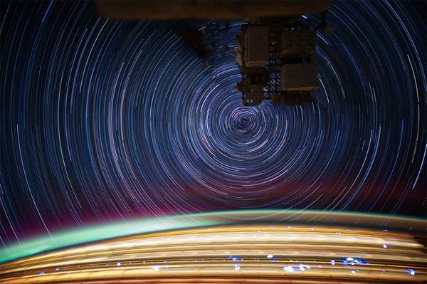 Star trails fotografate dalla ISS