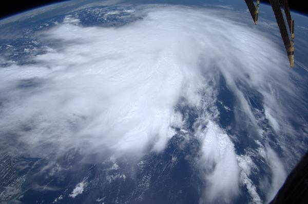 La tempesta tropicale Lee vista dallo spazio