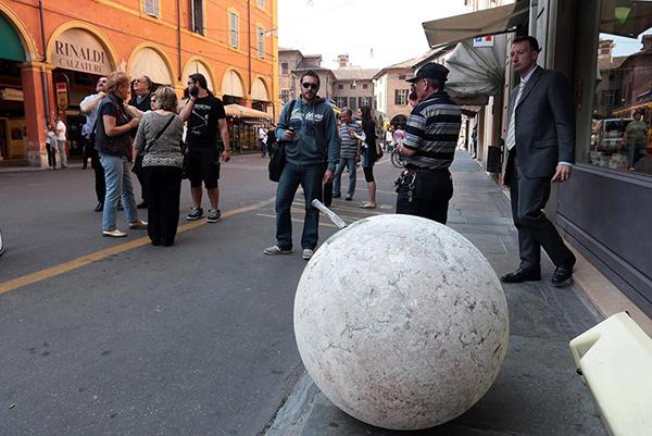 I danni del terremoto a Modena