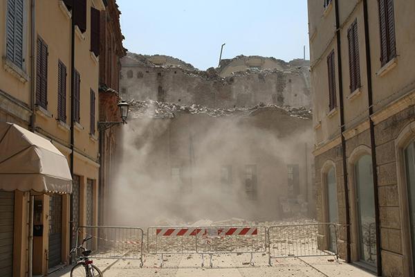 I danni del terremoto a Mirandola
