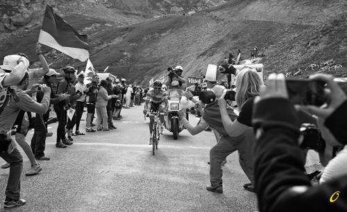 Contador in difficoltà