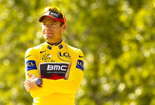 Cadel Evans in maglia gialla