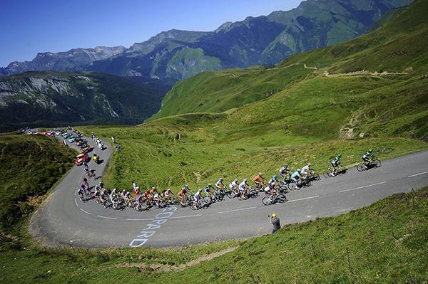 La carovana sui Pirenei al Tour 2012