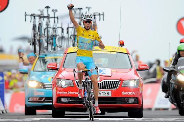 Vincenzo Nibali in maglia gialla al Tour 2014