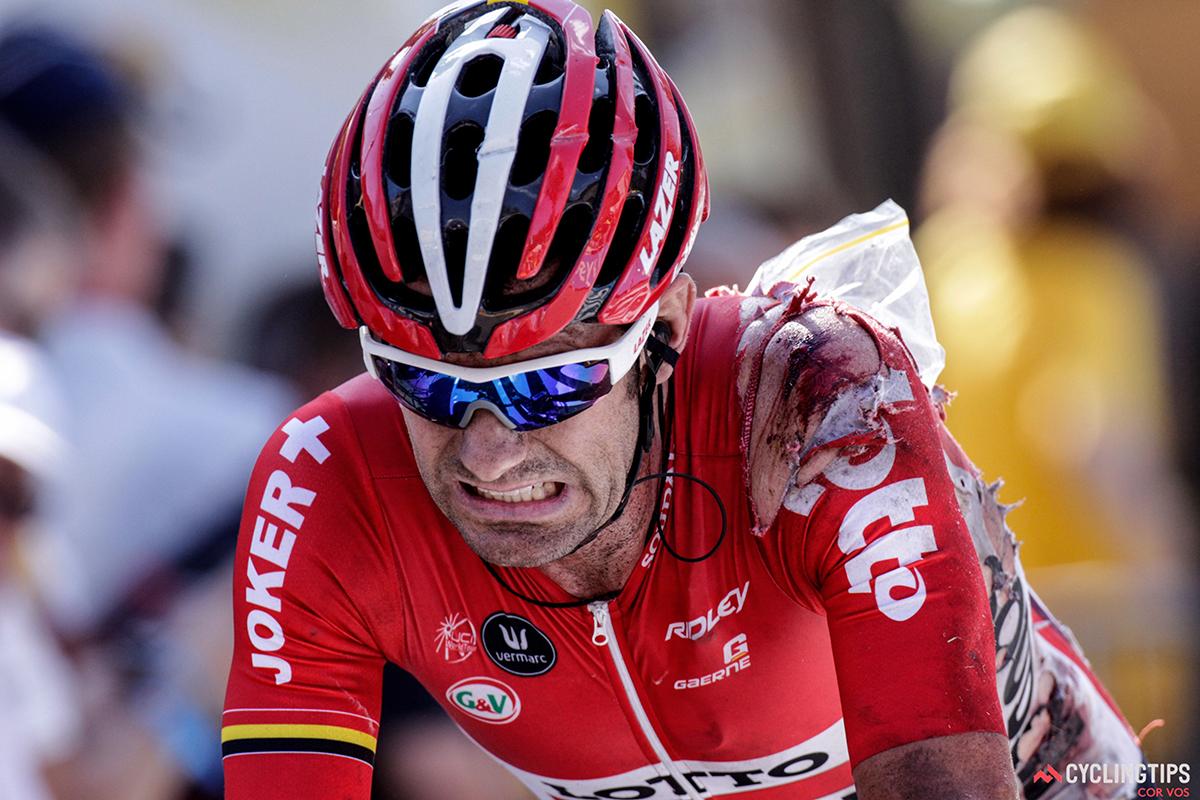 Corridore sanguinante al Tour 2015