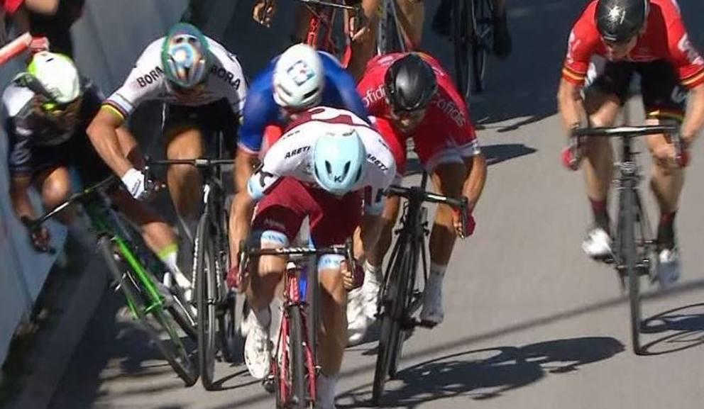 Il gomito di Sagan e la caduta di Cavendish al Tour 2017