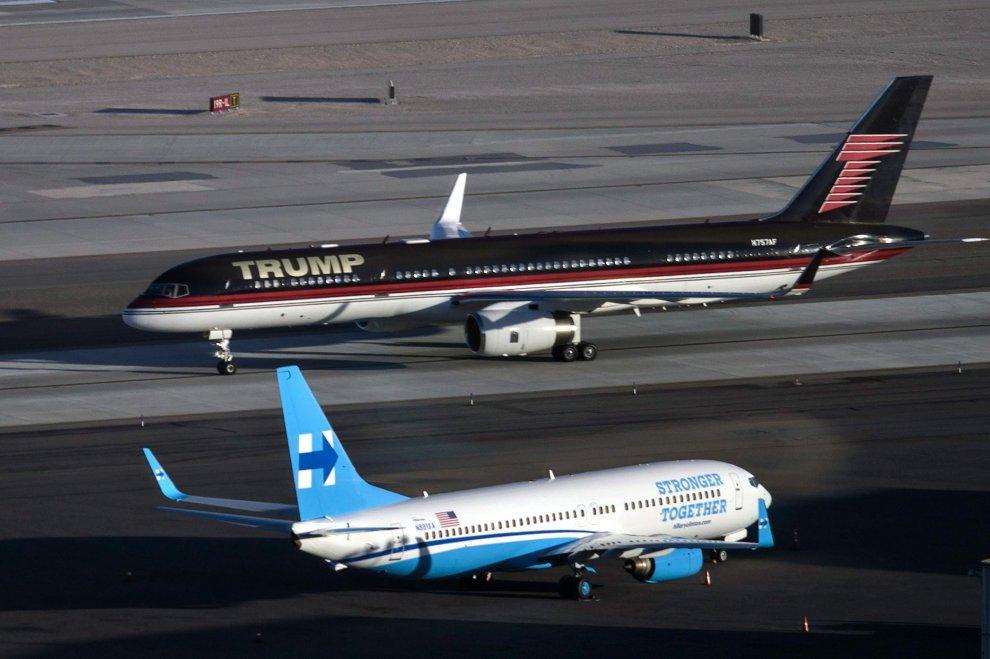 Gli aerei di Trump e Clinton a Las Vegas