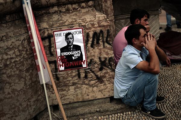 Manifestanti turchi contro Erdogan