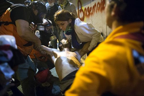 Un ferito tra i manifestanti turchi