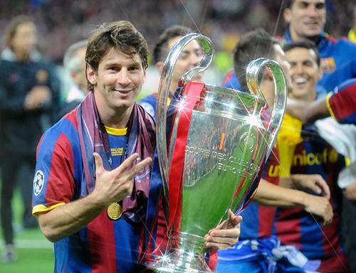 Messi con il trofeo