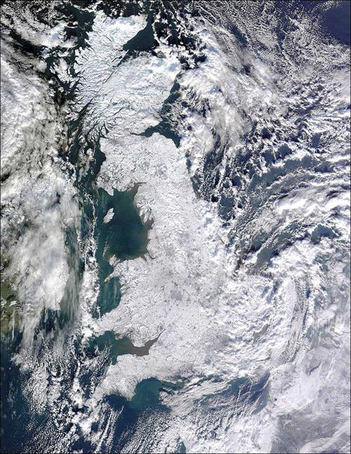 Il Regno Unito avvolto da un manto di neve