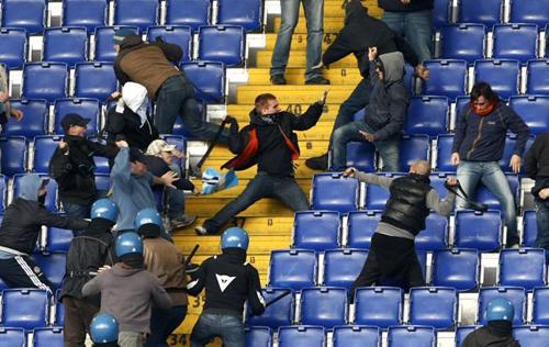 Scontri tra ultras laziale e romanisti dopo il derby