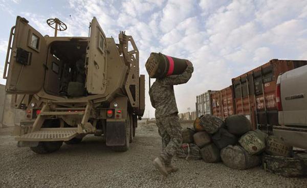 Soldati americani lasciano l'Iraq