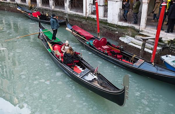 Canali di Venezia ghicciati