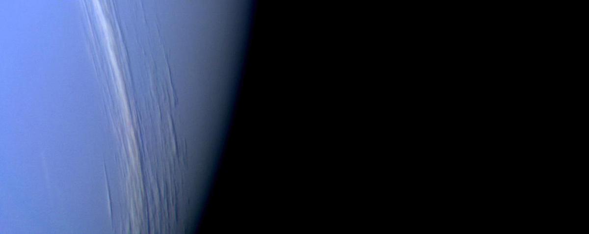 Nettuno fotografato da Voyager 2