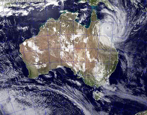 Immagine satellitare del ciclone Yasi