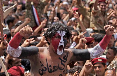 Yemeniti in festa per la partenza di Ali Abdallah Saleh